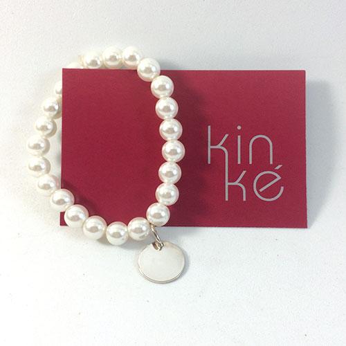 3752833b664 Pulsera de perlas con medalla de plata